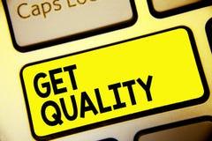 Textzeichenvertretung erhalten Qualität Begriffsfotofunktionen und Eigenschaften des Produktes, die Bedarf Tastatur-Gelbschlüssel stockfoto