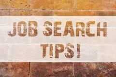 Textzeichenvertretung Jobsuche-Spitzen Begriffsfoto Empfehlungen, eine gute Zusammenfassung einen Position Ziegelstein erreichen  lizenzfreies stockfoto