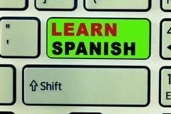 Textzeichenvertretung lernen Spanisch Begriffsfoto Übersetzungs-Sprache in der Spanien-Vokabular-Dialekt-Rede lizenzfreies stockbild