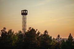 Teychi rezerwat przyrody Wieża obserwacyjna nad las zdjęcie stock