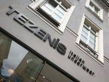 Tezenis-Speicher Signage Lizenzfreie Stockfotos