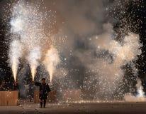 Tezutsu Hanabi (festival tenuto in mano dei fuochi d'artificio) fotografie stock