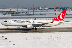 TF-JGG Turkish Airlines, Boeing 737-800 ERZINCAN nominati Immagini Stock