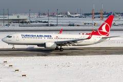 TF-JGG Turkish Airlines, Boeing 737-800 namngav ERZINCAN Arkivbilder