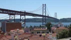 25thτης γέφυρας Απριλίου στη Λισσαβώνα, Πορτογαλία απόθεμα βίντεο