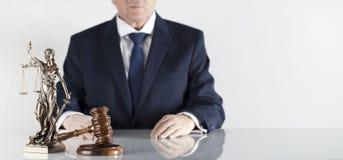 Thème de loi et de justice Bureau de conseiller juridique Endroit pour la typographie photo stock