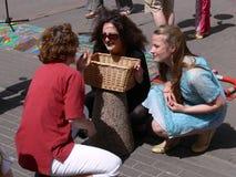 Théâtre de rue pour célébrer le Day-9 des enfants Images libres de droits