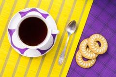 Thé avec des biscuits photo libre de droits