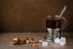 Thé avec des dessiccateurs Images stock