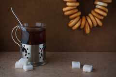 Thé avec des dessiccateurs Image stock