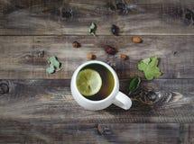 Thé avec le citron Vue supérieure Images libres de droits