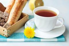 Thé avec un citron Photos libres de droits