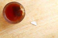 Thé chaud dans le verre Image libre de droits
