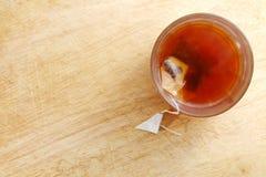 Thé chaud dans le verre Photo libre de droits