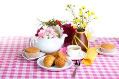 Thé d'après-midi avec le traitement au four frais Photos stock