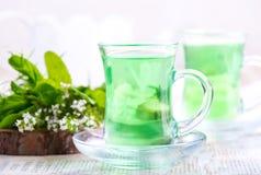 Thé dans des tasses Photos libres de droits