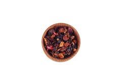 Thé dans la cuvette en bois Image libre de droits