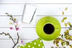 Thé dans la tasse verte Photos libres de droits
