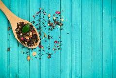 Thé dans une cuillère Photographie stock