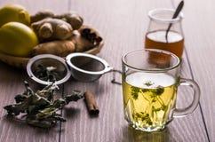 Thé de fines herbes Photo stock