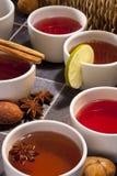 Thé - de fines herbes et thés de fruit photos libres de droits