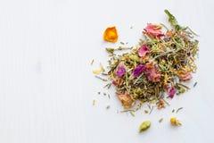 Thé de fines herbes de fleurs Photo stock