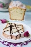Thé de gâteau et de cuvette Photo libre de droits