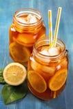 Thé glacé avec le citron Photo libre de droits