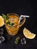 Thé glacé avec le citron Photos libres de droits