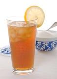 Thé glacé froid avec le citron et le sucre Photographie stock