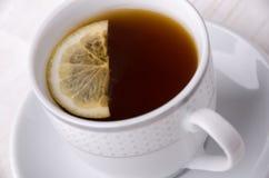 Thé noir avec le citron Le thé le plus de première qualité Images libres de droits