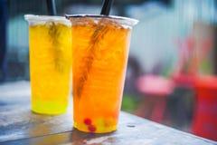 Thé noir thaïlandais et thé de chrysanthème Images libres de droits