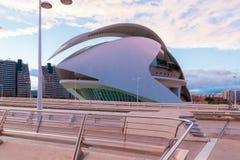 Théatre de l'opéra au coucher du soleil dans la ville des arts et de la science Valencia Spain Photo stock