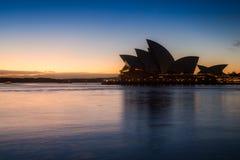 Théatre de l'opéra de Sydney dans un beau moment Image stock