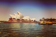 Théatre de l'$opéra et bac de Sydney Photo stock