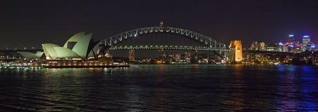 Pont de port de Sydney la nuit Image stock