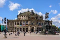 Théatre de l'opéra magnifique de Semper à Dresde, Saxe, Allemagne images stock