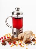 Théière avec le thé images stock