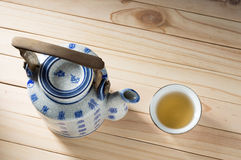 Théière chinoise de poterie Photographie stock