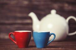Théière et deux tasses de thé Image libre de droits