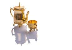 Théière et tasse antiques II Photo stock