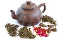 Théière et thés chinois Image stock