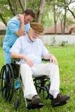 thérapie d'aîné de massage d'homme Photographie stock