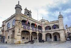16th århundrade för stadshus i Ciudad Rodrigo Arkivfoto