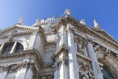17th århundrade kyrkliga Santa Maria della Salute, Venedig, Italien för barock Arkivfoton
