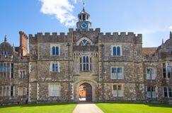 15th århundrade Sevenoaks för gammal engelsk herrgård Klassiskt engelskt landssidohus UK royaltyfri fotografi