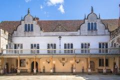 15th århundrade Sevenoaks för gammal engelsk herrgård Klassiskt engelskt landssidohus UK arkivfoton