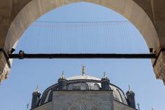 16th århundradeAtik Valide moské, Uskudar, Istanbul, Turkiet Royaltyfria Bilder