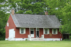 19th århundradelantgårdhus i den New York staten Arkivbild