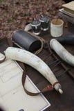 18th århundradepulverhorn och tillförsel Royaltyfri Fotografi